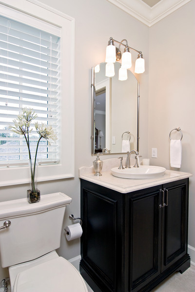 Small baths kitchen details and design for Pics of small bathroom remodels